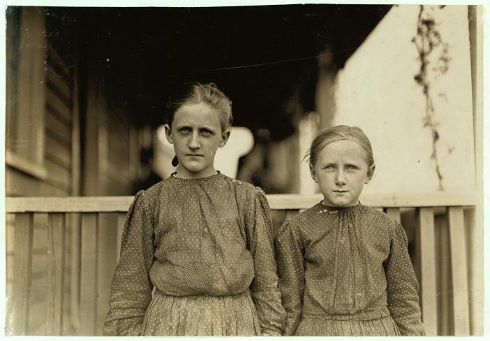 sisters-349986_1920